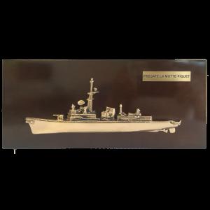Création d'une demi-coque de la marine nationale